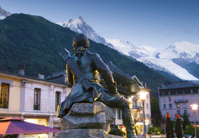 Pont de l'ascension à Chamonix - Le Cristal de Jade - Chamonix Mont-Blanc |  MGM Hôtels & Résidences