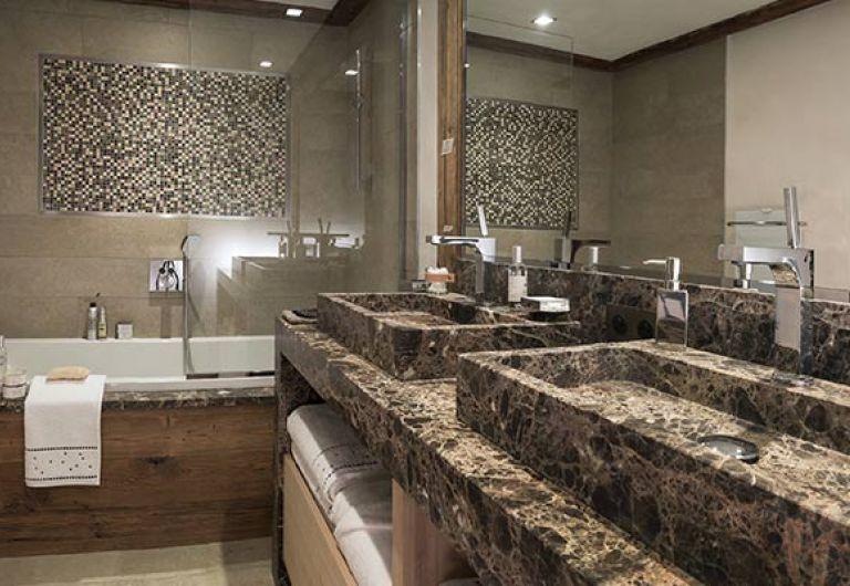 La Ferme de Juliette- salle de bains - Chalet de Luxe - Le Grand-Bornand | MGM Hotels & Résidences