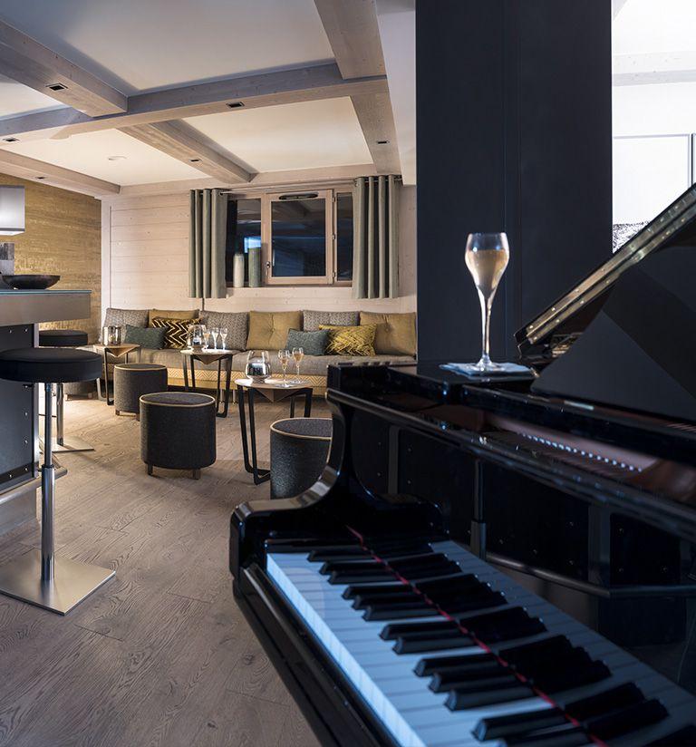 Piano Bar - L'hôtel Les Suites du Roc des Tours - Le Grand-Bornand